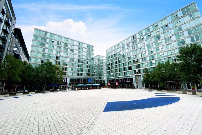 Thumbnail Flat to rent in P3378- Carnegie, Hub