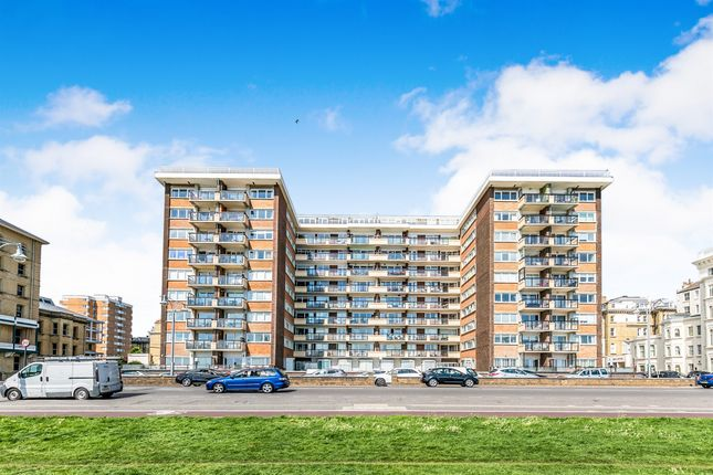 Thumbnail Flat for sale in Kingsway Court, Queens Gardens, Hove