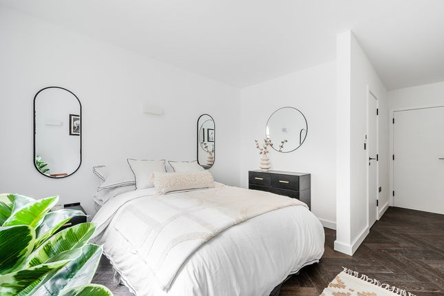 2 bed flat for sale in The Spurstowe, 4-14 Spurstowe Terrace, Hackney Downs, London E8