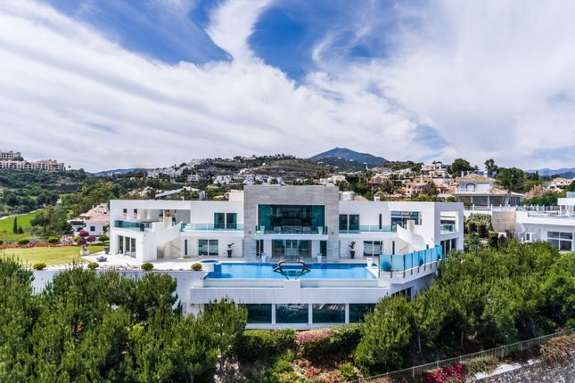 Thumbnail Villa for sale in La Quinta, Benahavis, Malaga, Spain