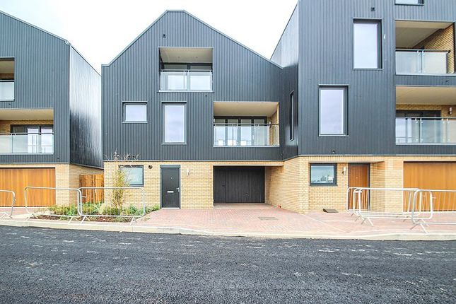 Thumbnail Detached house to rent in Southwell Drive, Trumpington, Cambridge