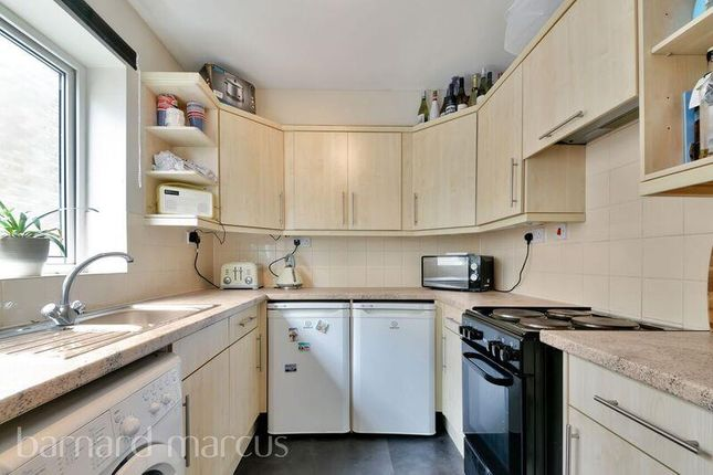 1 bed flat to rent in Carshalton Grove, Sutton