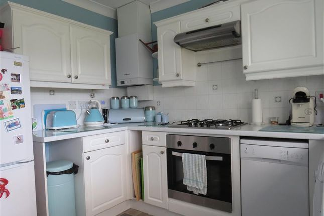 Thumbnail Bungalow to rent in Orchard Close, Elm, Wisbech