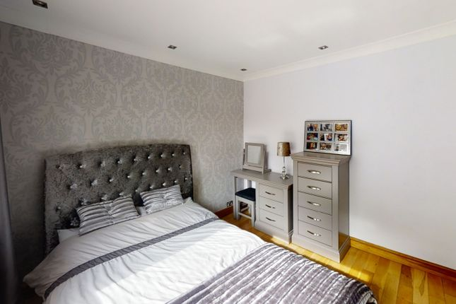 Bedroom 2 of Peveril Close, Whitefield M45