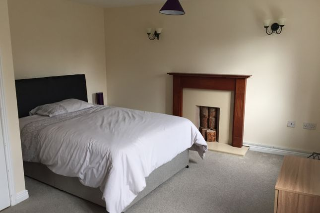 Thumbnail Shared accommodation to rent in Warmstry, Bromsgrove