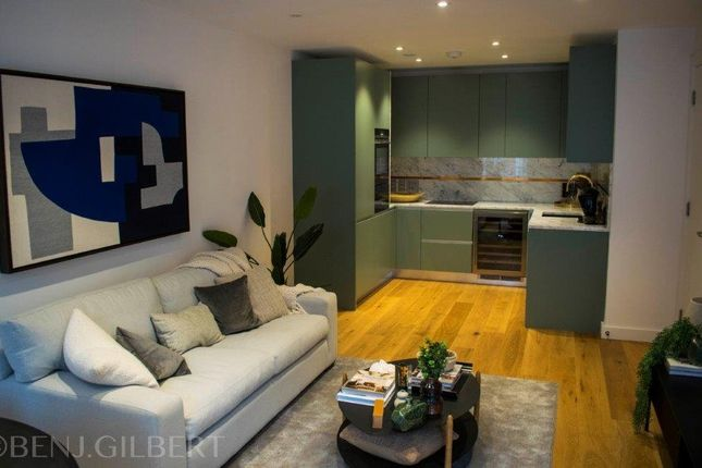 Thumbnail Flat for sale in Upper Street, London