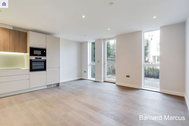 Thumbnail Flat for sale in Longley Road, London
