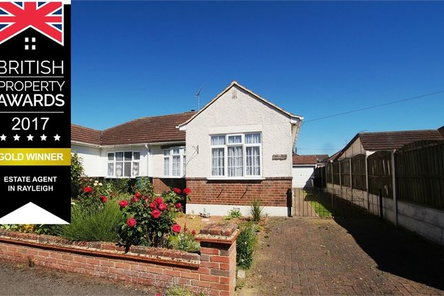 2 bed semi-detached bungalow to rent in Sweyne Close, Rayleigh SS6
