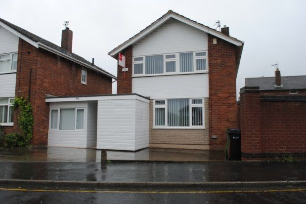 Thumbnail Room to rent in Henley Avenue, Cheadle Hulme, Cheadle