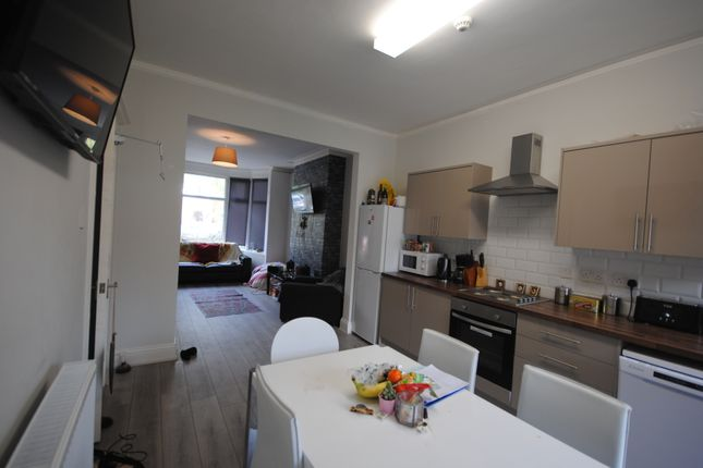 Thumbnail Terraced house to rent in 25 St Michaels Crescent, Headingley