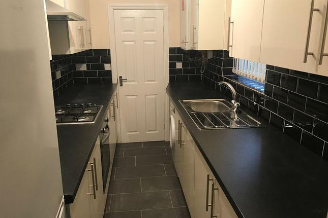 Thumbnail Terraced house to rent in Bolingbroke Road, Stoke