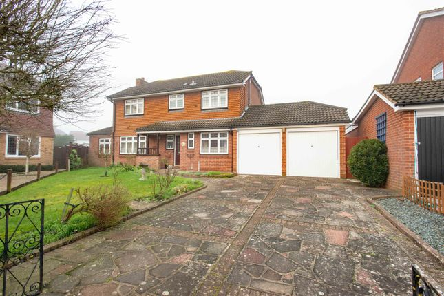 Thumbnail Detached house for sale in Pinecrest Gardens, Farnborough, Orpington