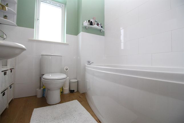 Bathroom of Raymond Fuller Way, Kennington, Ashford TN24