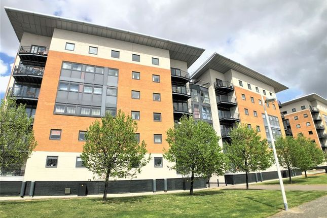 Thumbnail Flat to rent in Lowestoft Mews, London