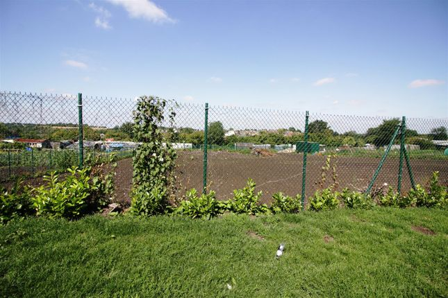 Thumbnail Land for sale in Sandgate Terrace, Kippax, Leeds