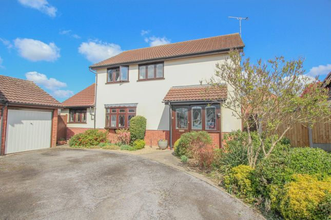 4 bed detached house for sale in Coppens Green, Wickford SS12