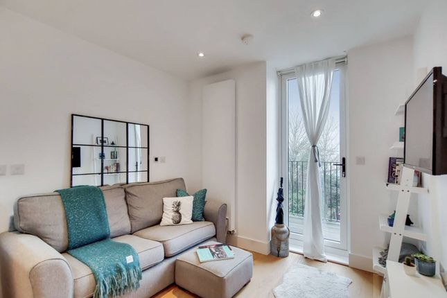 1 bed flat for sale in South End, Croydon CR0