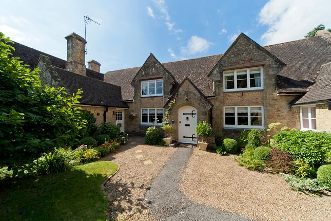 Thumbnail Country house for sale in Church Street, Pulborough, West Sussex