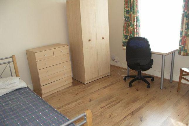 Thumbnail Room to rent in Double Room, New Windsor Street, Uxbridge UB8, Uxbridge,