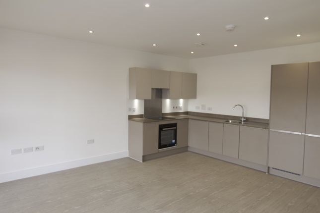 Thumbnail Flat to rent in Ballast Road, Erith