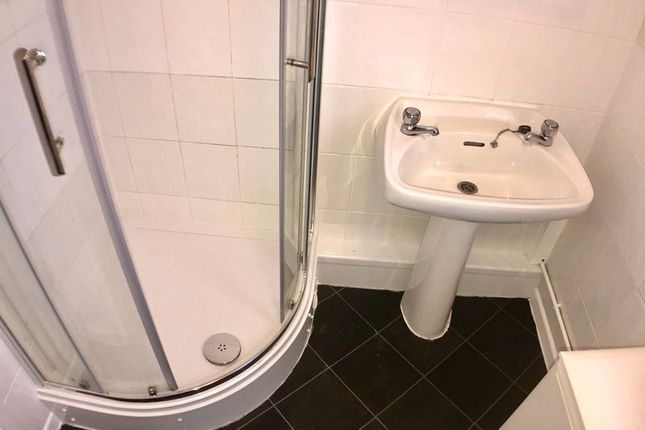 Shower Room of Beach Road, Scratby, Great Yarmouth NR29
