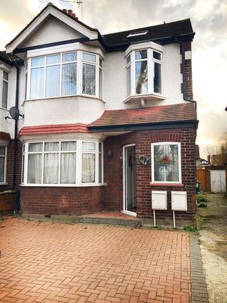 Thumbnail Flat to rent in Banstock Road, Ealing Road