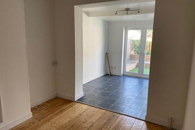 Living Room & Lounge