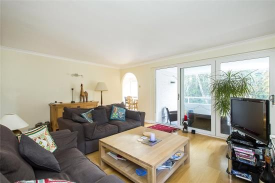 Thumbnail Flat for sale in Salisbury House, Somerset Road, London
