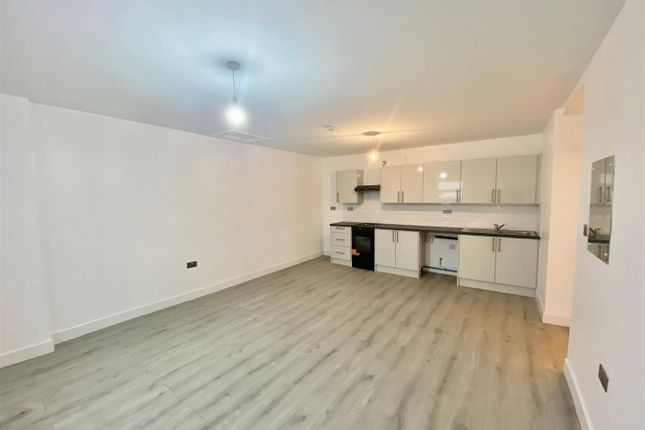 1 bed flat to rent in Wigan Road, Deane, Bolton BL3