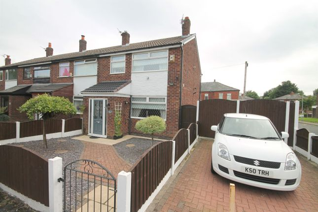 Thumbnail Town house for sale in Osbourne Close, Farnworth, Bolton