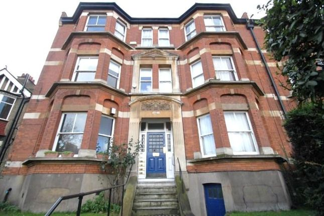 4 bed property to rent in Fairlawn Mansions, New Cross Road, London SE14
