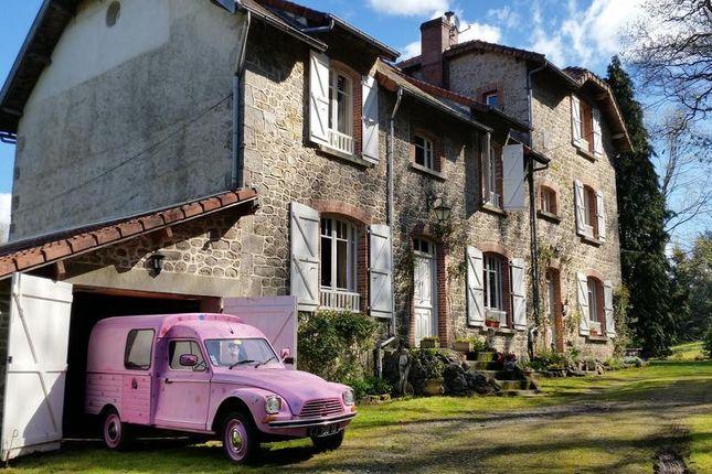 Thumbnail Villa for sale in St Amand Jartoudeix, Creuse, Nouvelle-Aquitaine