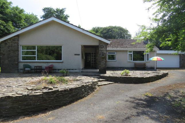 Thumbnail Bungalow for sale in Mwrwg Road, Llangennech, Llanelli