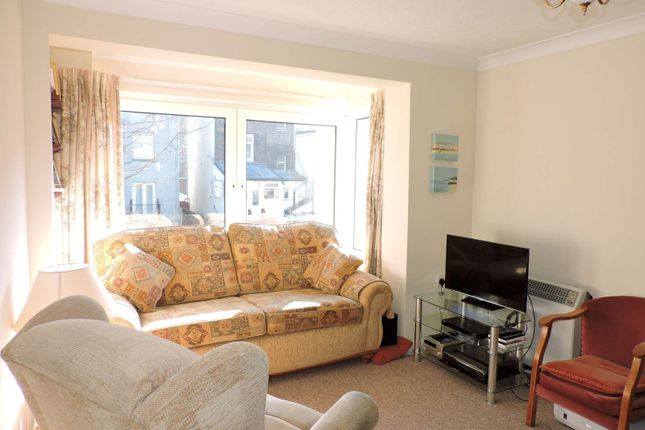 Thumbnail Flat to rent in Eastfields, Victoria Road North, Southsea