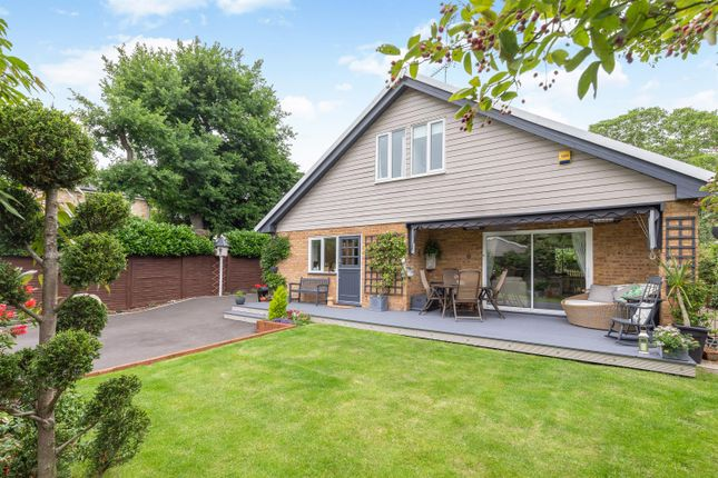 Thumbnail Detached house for sale in Julians Road, Stevenage