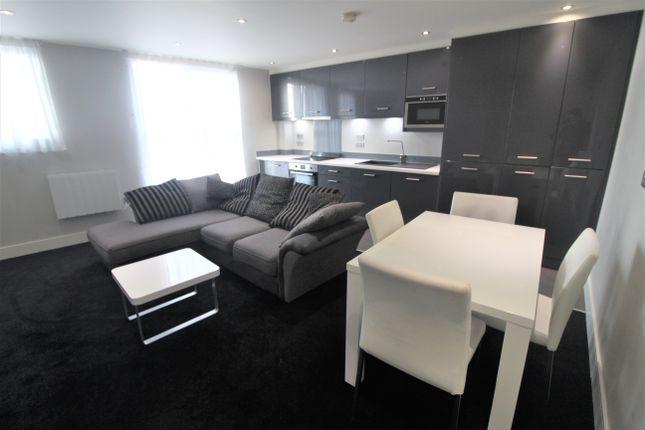 Thumbnail Flat to rent in Indigo Blu, 14 Crown Point Rd, Leeds