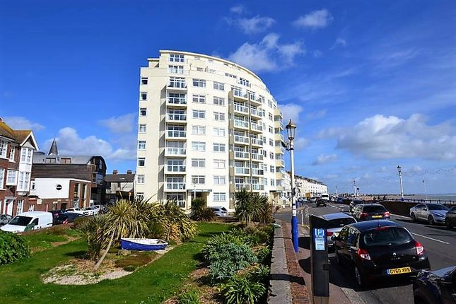 Thumbnail Flat to rent in Royal Parade, Eastbourne
