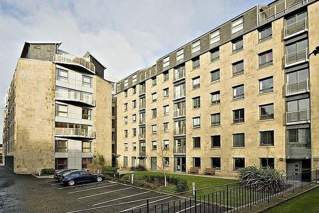 Thumbnail Flat to rent in East London Street, New Town, Edinburgh