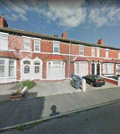 Thumbnail Flat for sale in Clevedon Road, Blackpool