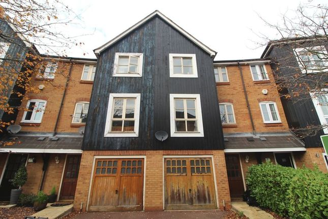 Thumbnail Town house to rent in Imperial Way, Hemel Hempstead