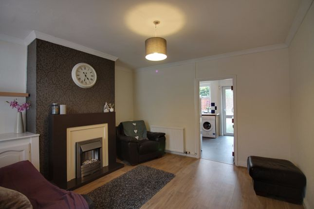 Thumbnail Cottage for sale in Chester Road, Macclesfield