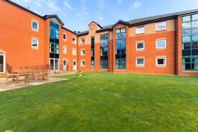 Thumbnail Flat to rent in Chamberlaine Court, Spiceball Park Road, Banbury