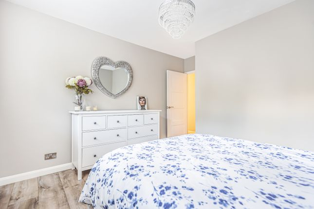 Bedroom of Eltham Green, London SE9