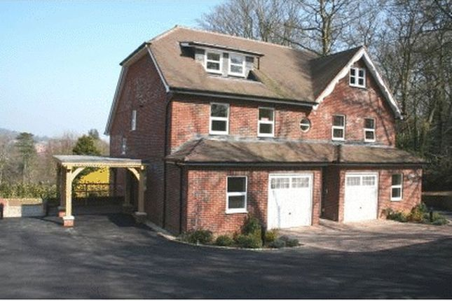 Thumbnail Flat to rent in Courts Hill Road, Haslemere