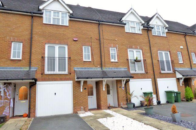 Thumbnail Town house for sale in Alfriston Close, Braeburn Park, Crayford, Kent