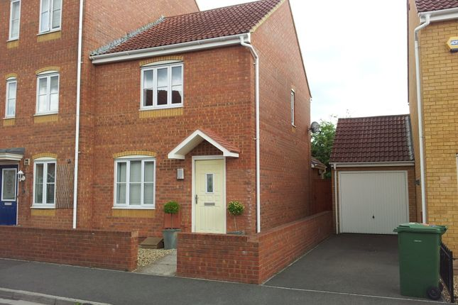 Thumbnail Terraced house to rent in Avill Crescent, Taunton