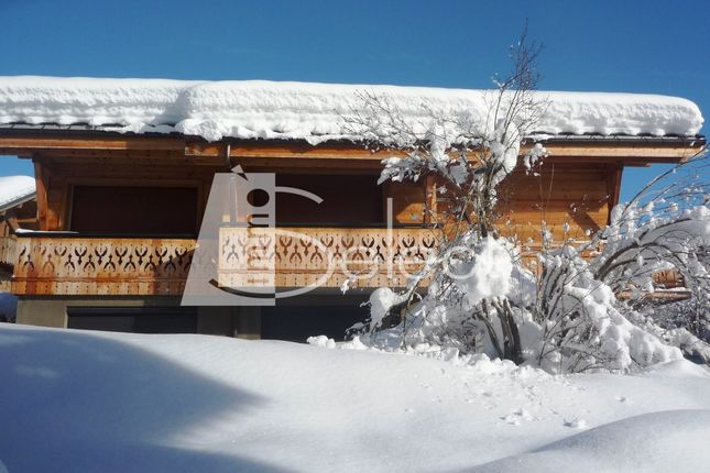 Thumbnail Chalet for sale in Les Gets, French Alps, France