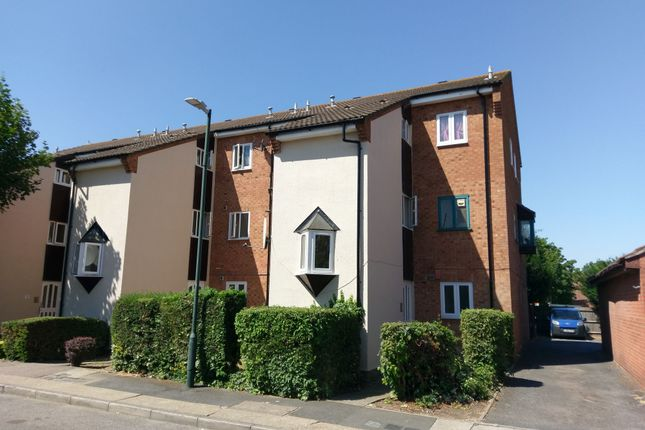 Thumbnail Flat for sale in Fleming Way, Thamesmead