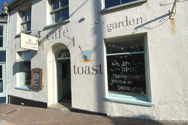 Thumbnail Leisure/hospitality for sale in Honiton, Devon