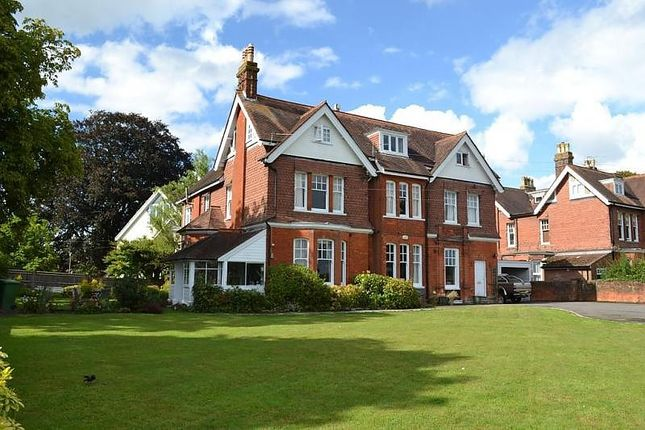 Thumbnail Flat to rent in Heathmere The Avenue, Petersfield